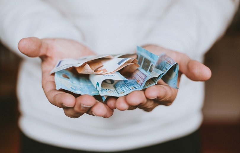 Перевод денег из одного банка в другой
