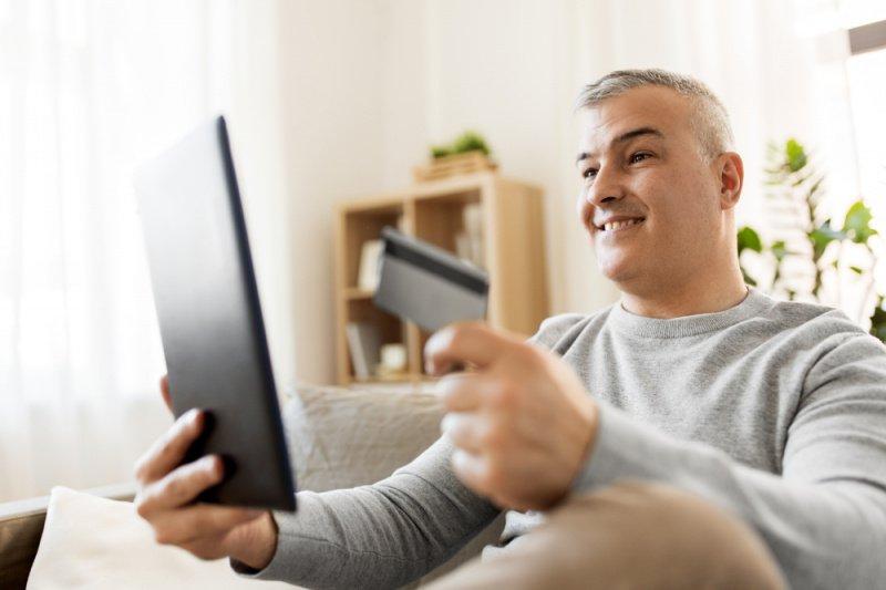 как происходит оформление кредитной карты тинькофф